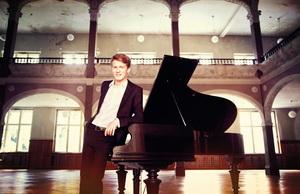 AlexanderKrichel_c_UweArens_SonyClassical_1